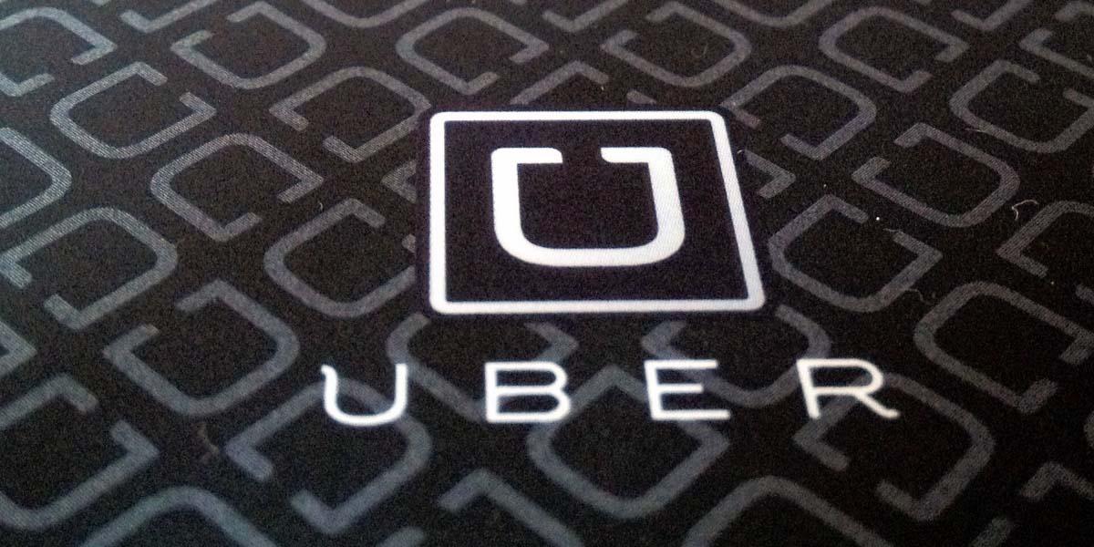 uber recrute les hackers de la jeep cherokee tech numerama. Black Bedroom Furniture Sets. Home Design Ideas