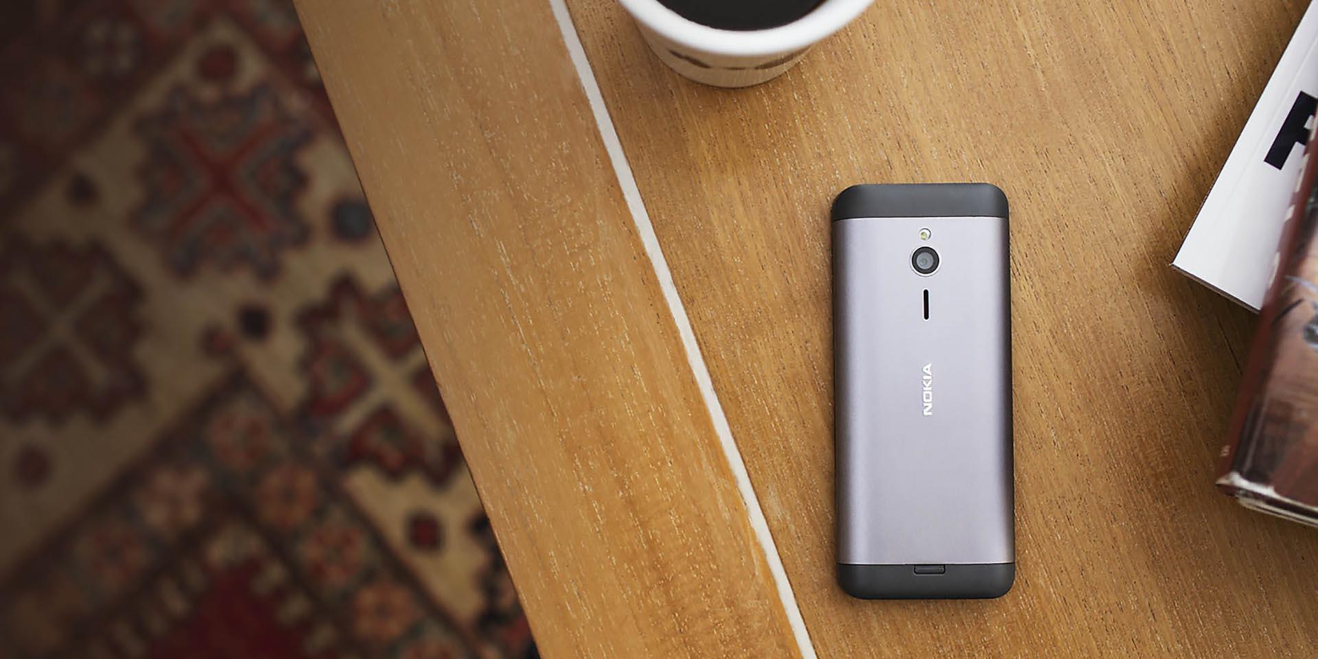 avec le nokia 230 microsoft lance un t l phone pour selfies 50 euros tech numerama. Black Bedroom Furniture Sets. Home Design Ideas