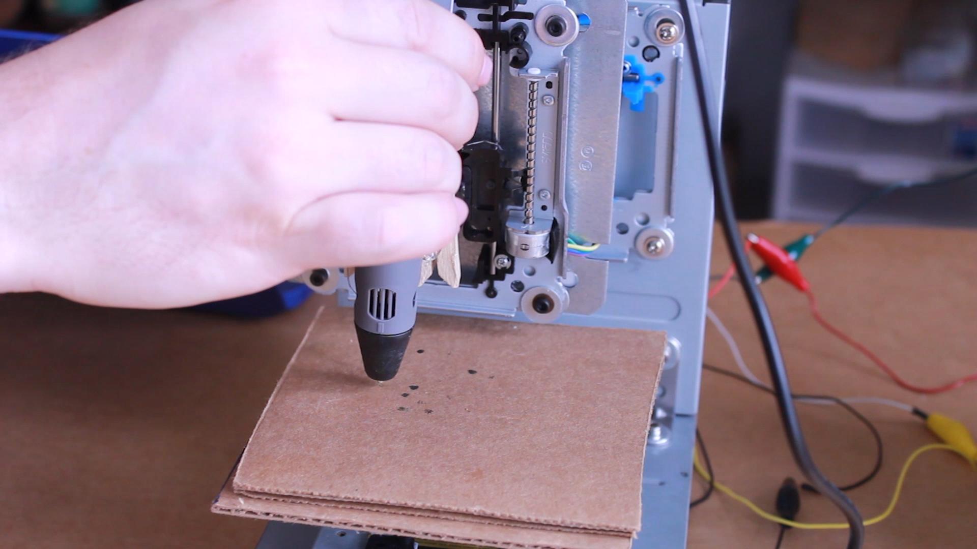 construire une imprimante 3d pour moins de 100 euroballes c 39 est possible tech numerama. Black Bedroom Furniture Sets. Home Design Ideas