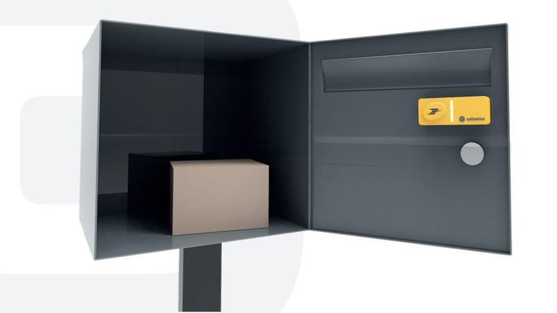 ces 2016 la poste d voile un bouton pour envoyer un colis sans sortir de chez soi tech. Black Bedroom Furniture Sets. Home Design Ideas
