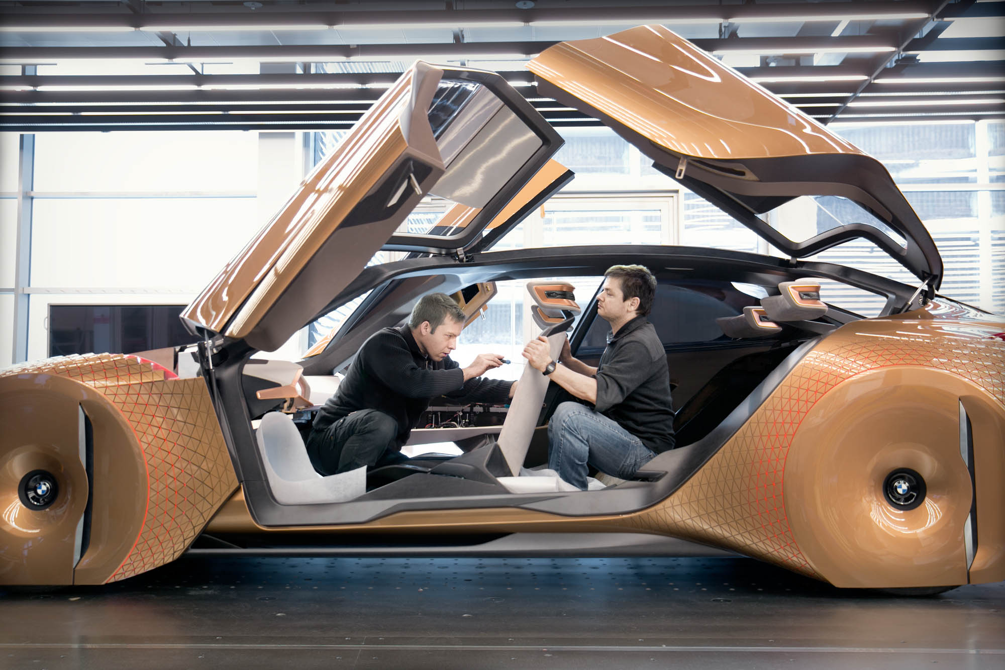 P90212340_highRes_bmw-vision-next-100-