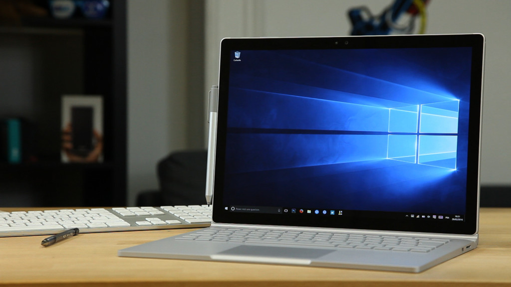 SURFACE BOOK24