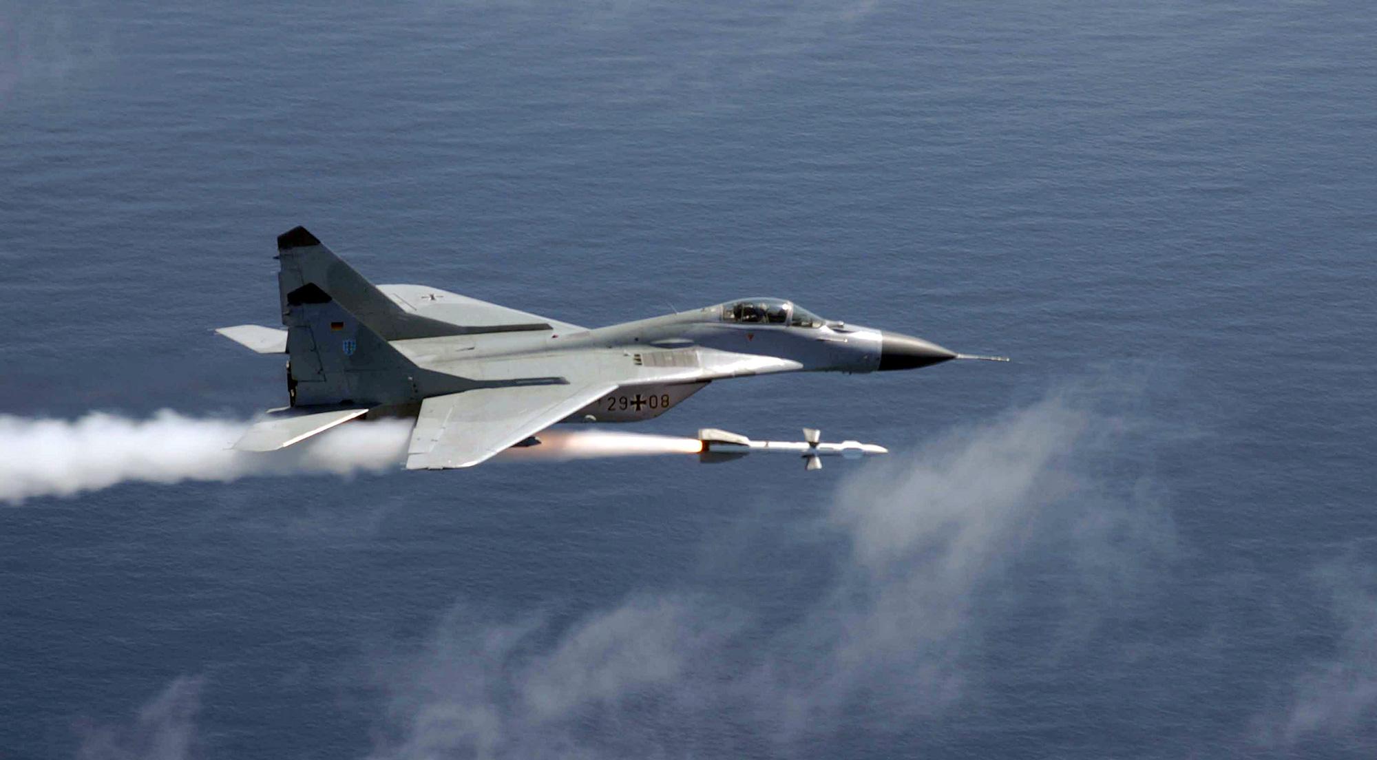 Des avions de chasse pilot s par une ia seraient d j - Avion de chasse en lego ...