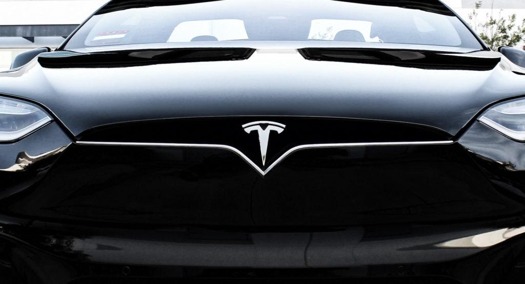 Tesla-devant