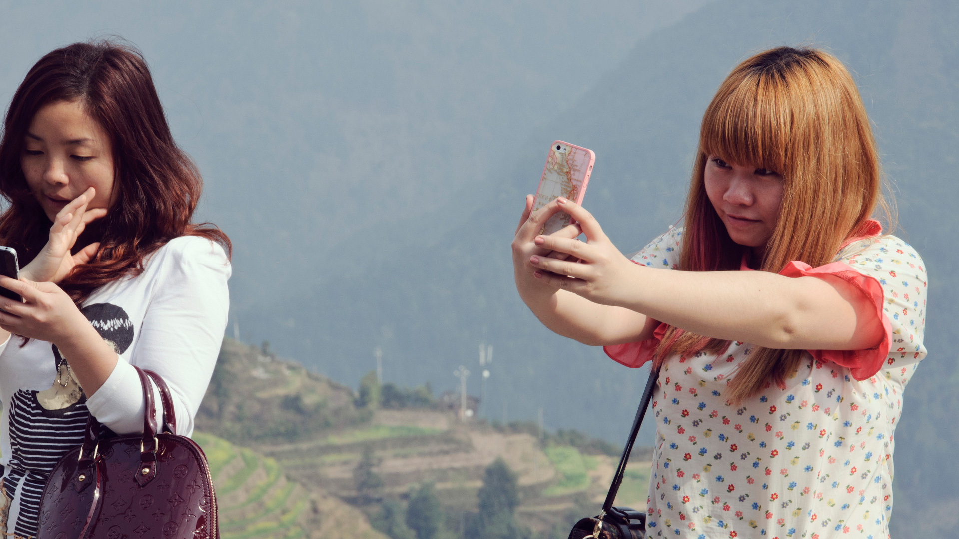 chine-fille-smartphone