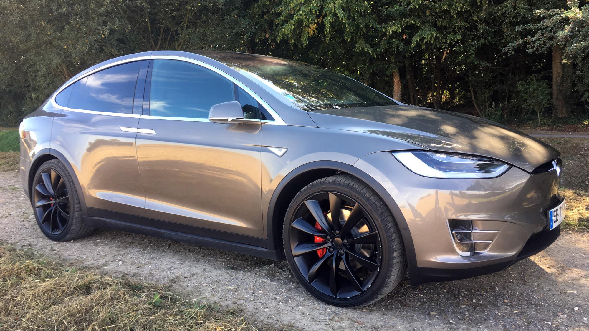 Tests Solidité Model Premiers La X Crash Prouvent De Tesla Les Sa nO80Pwk