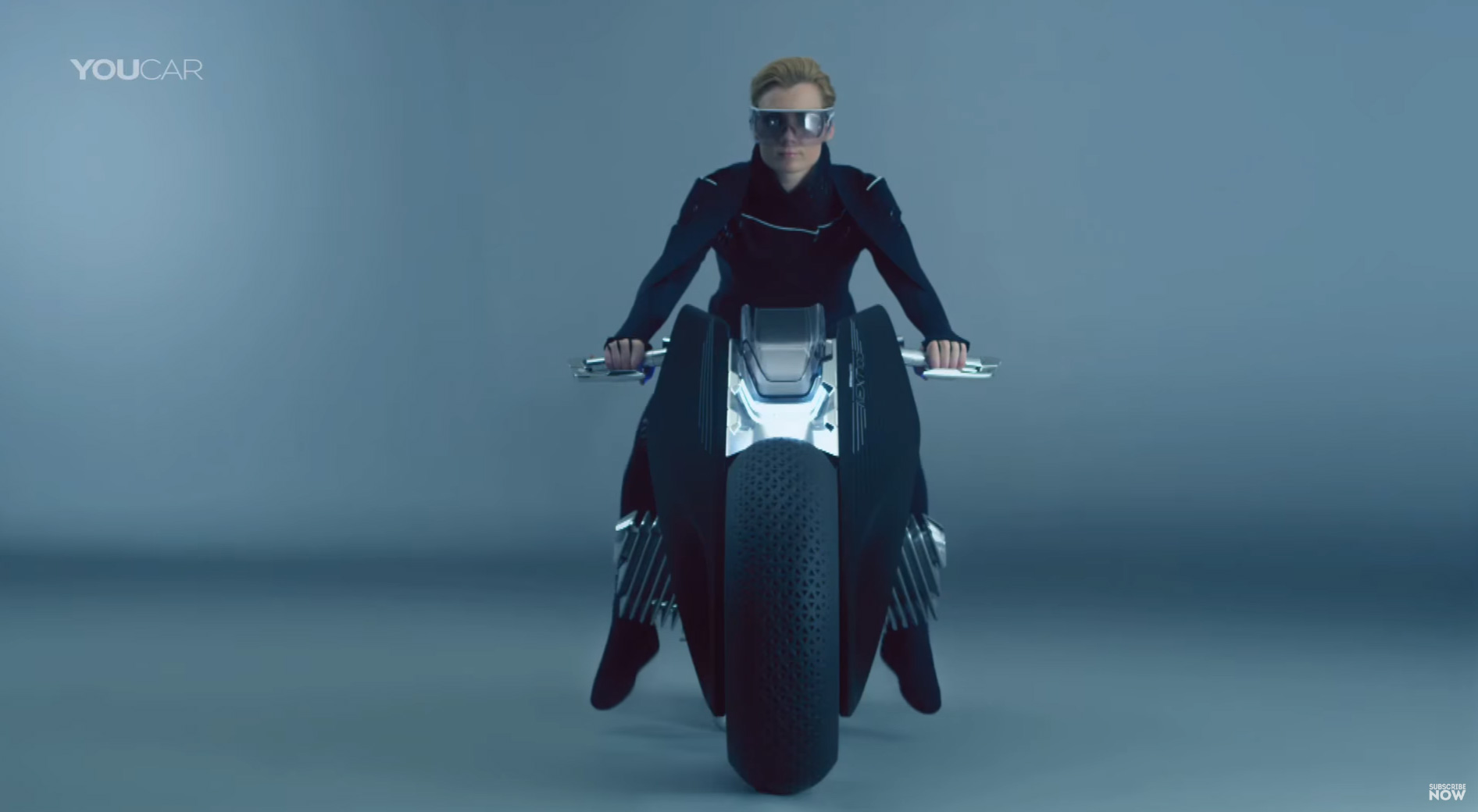 bmw motorrad vision next 100 une moto du futur 100 s re tech numerama. Black Bedroom Furniture Sets. Home Design Ideas
