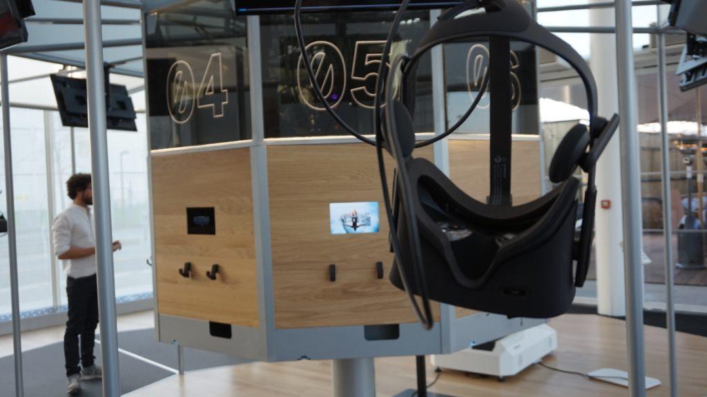 on a test le mk2 vr la salle d 39 arcade en r alit virtuelle du 21e si cle tech numerama. Black Bedroom Furniture Sets. Home Design Ideas