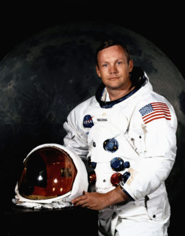 Apollo 11 (1969) - Page 2 Neil-armstrong-270x344