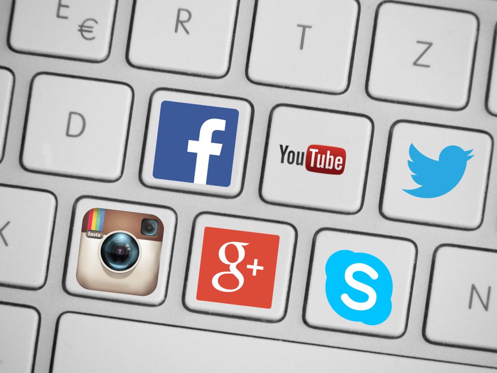 social-media-419944_1920