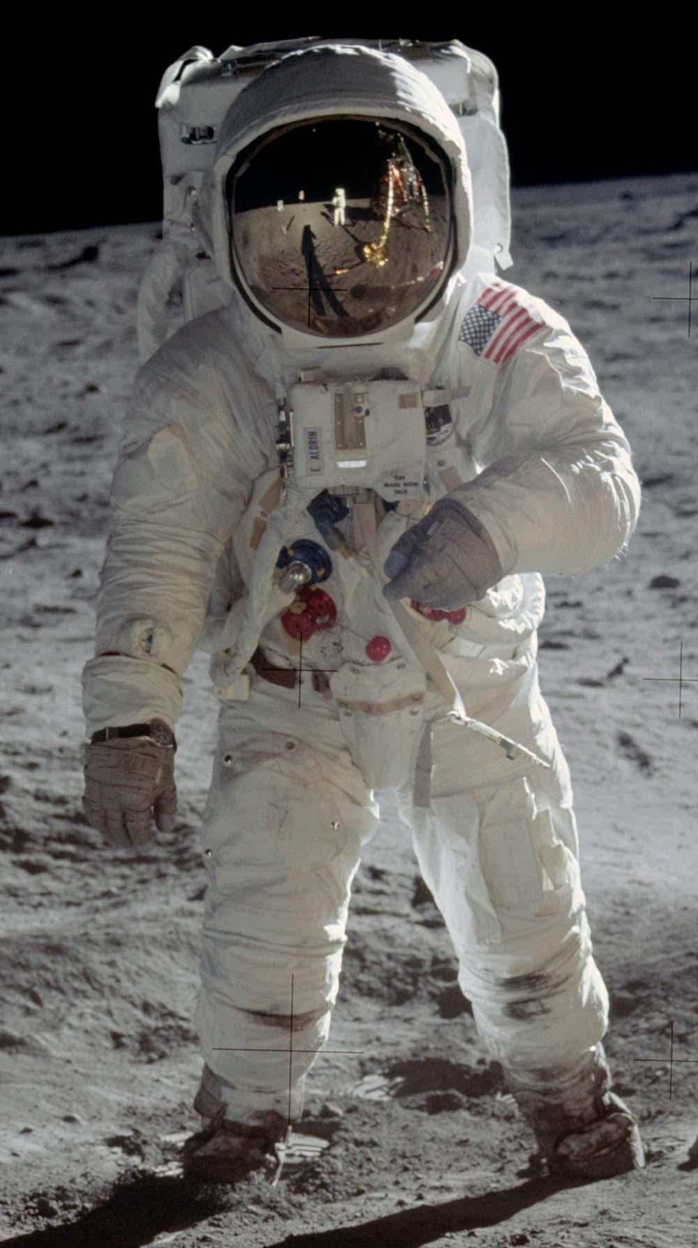 apollo 11 space suit manufacturer - photo #22