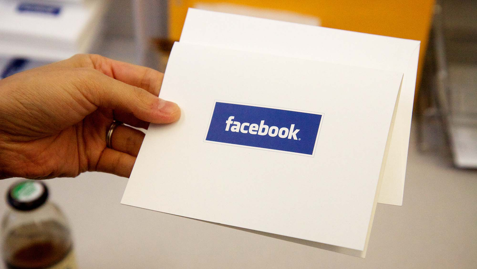 Vous pouvez maintenant signaler les fausses informations sur Facebook