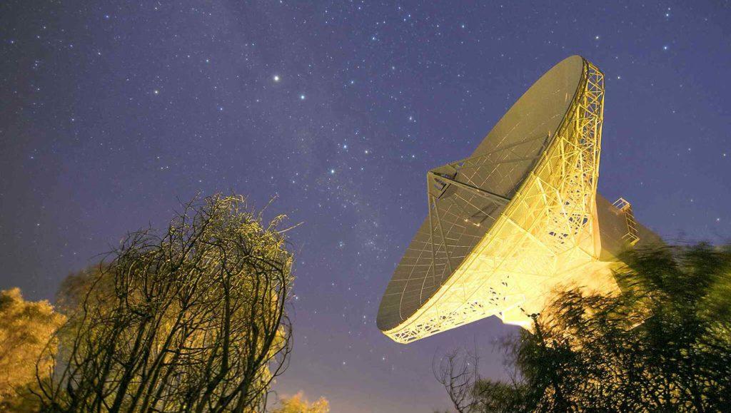 antenne-parabole-espace