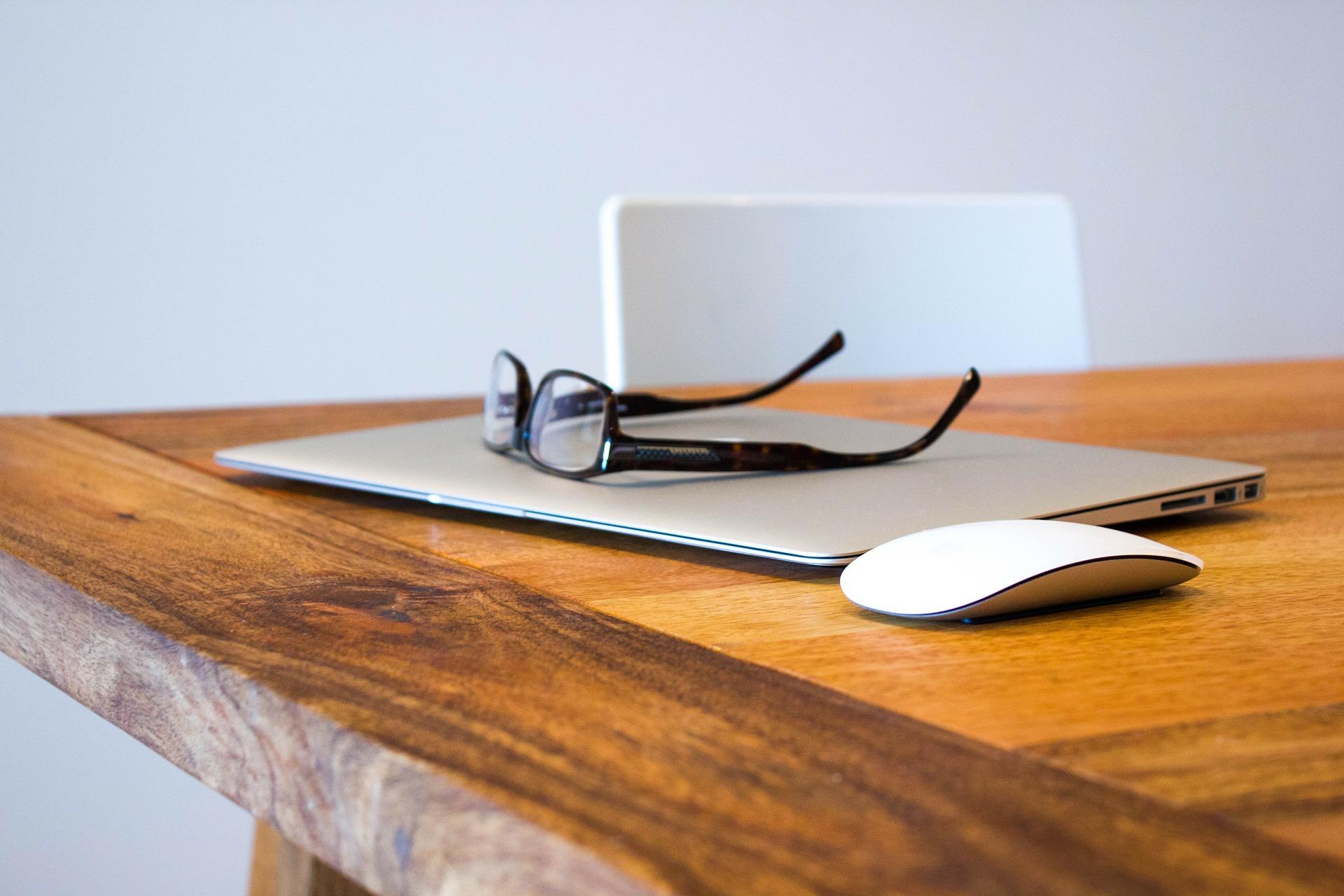 Amazon va lancer des lunettes connectées avec Alexa