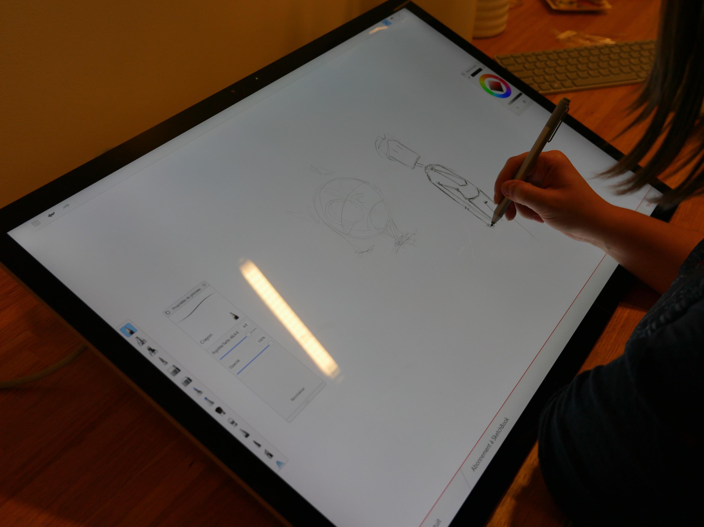 prise en main du surface studio le pc de microsoft qui joue sur les terres d 39 apple tech. Black Bedroom Furniture Sets. Home Design Ideas