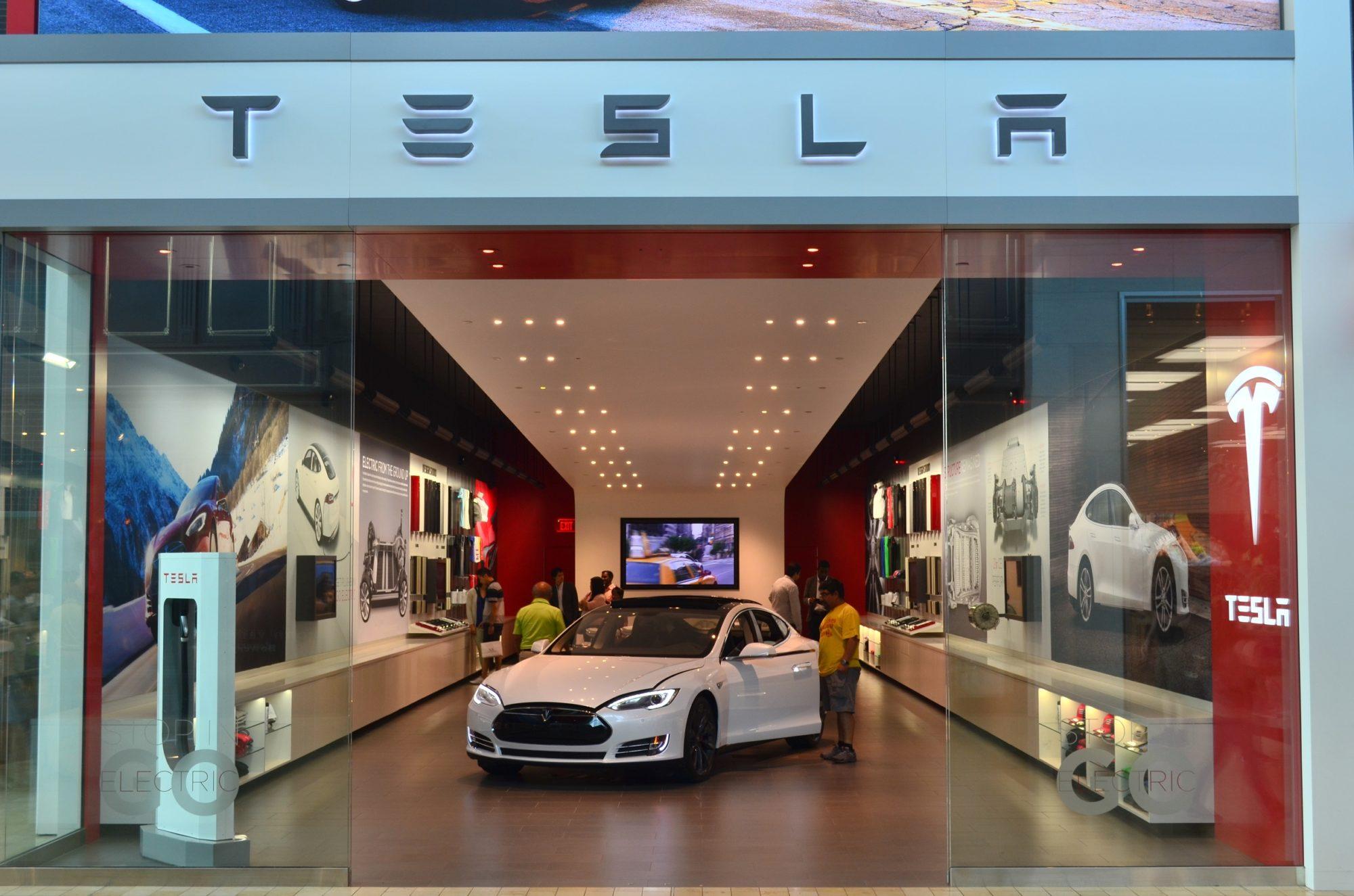 Elon Musk annonce la production prochaine de la Model 3 — Tesla