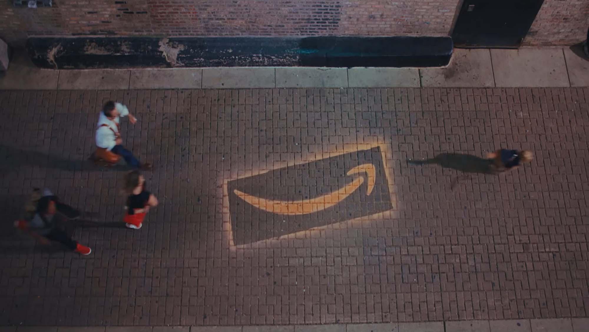 En somme mªme avec des exclusivités et des algorithmes magiques la concurrence doit payer le prix de l entªtement d Amazon qui est prªt  perdre de