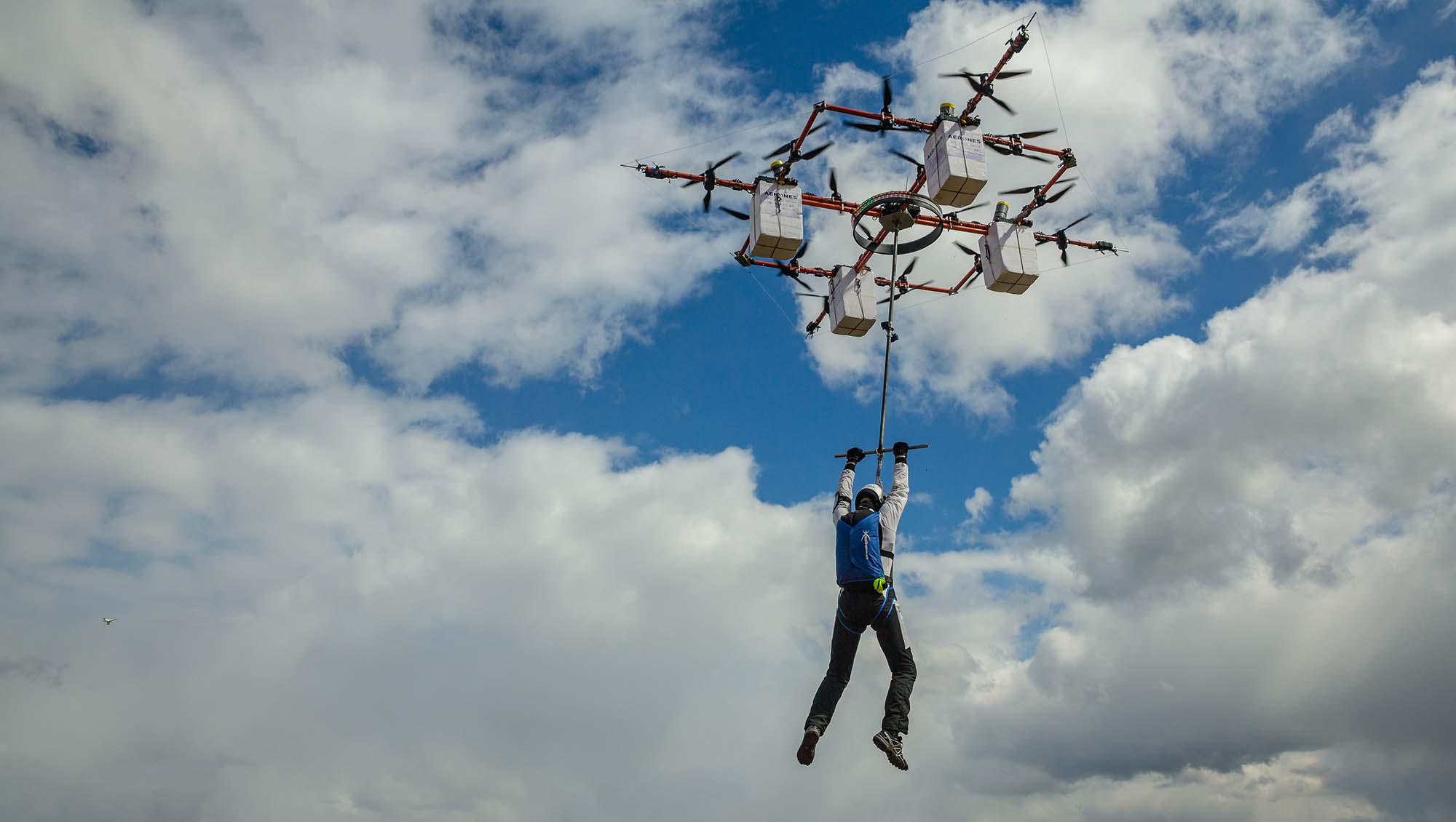 saut en parachute depuis un drone