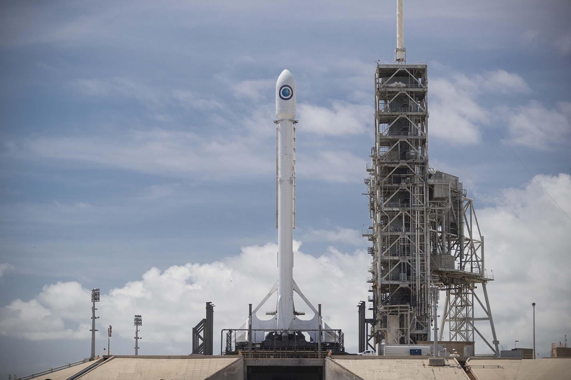 SpaceX veut lancer son premier satellite Internet en 2019