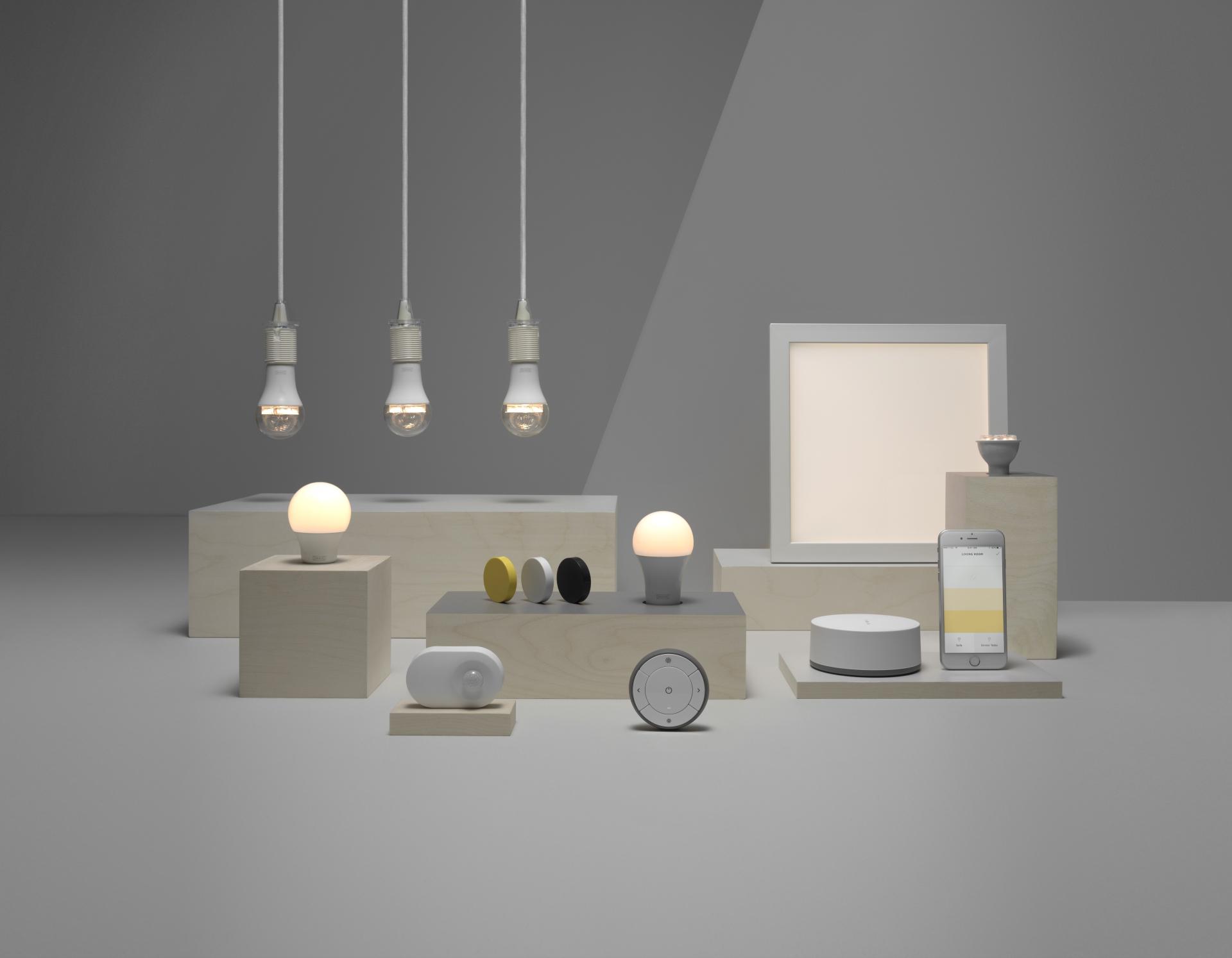 Philips Connectées Ampoules Bien HueLifxComment Ses Choisir 4j3ARqL5