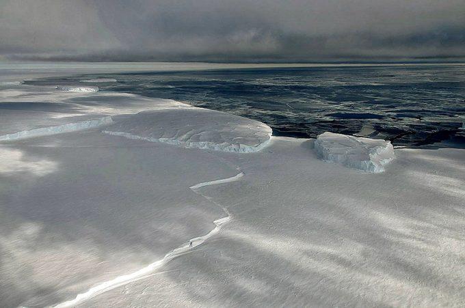 ross-ice-shelf-680x451 dans RECHAUFFEMENT CLIMATIQUE