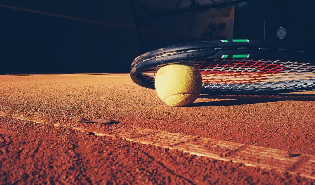 tennis-balle-raquette