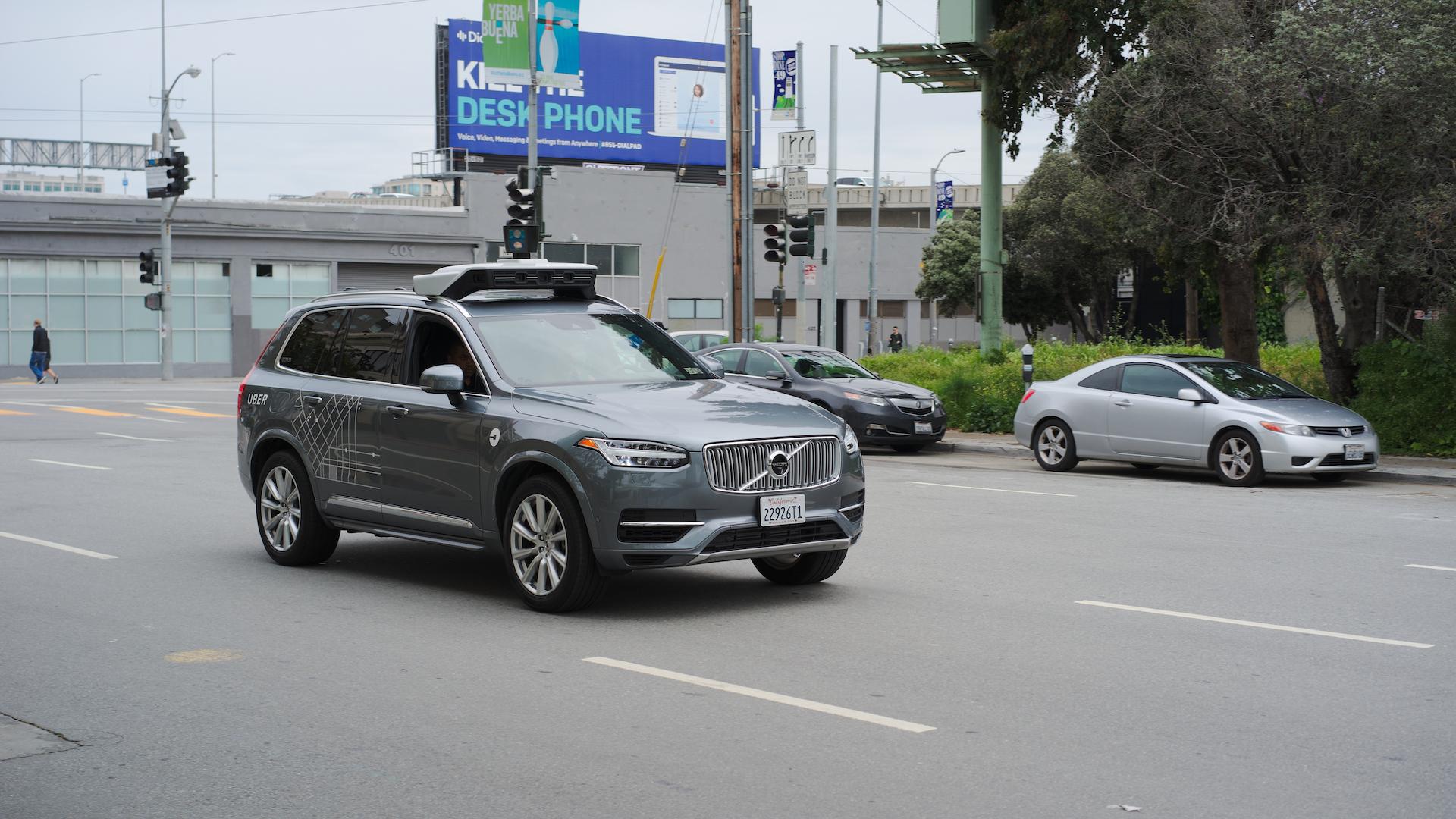 Après plusieurs désastres, Uber met un « stop » à la conduite autonome