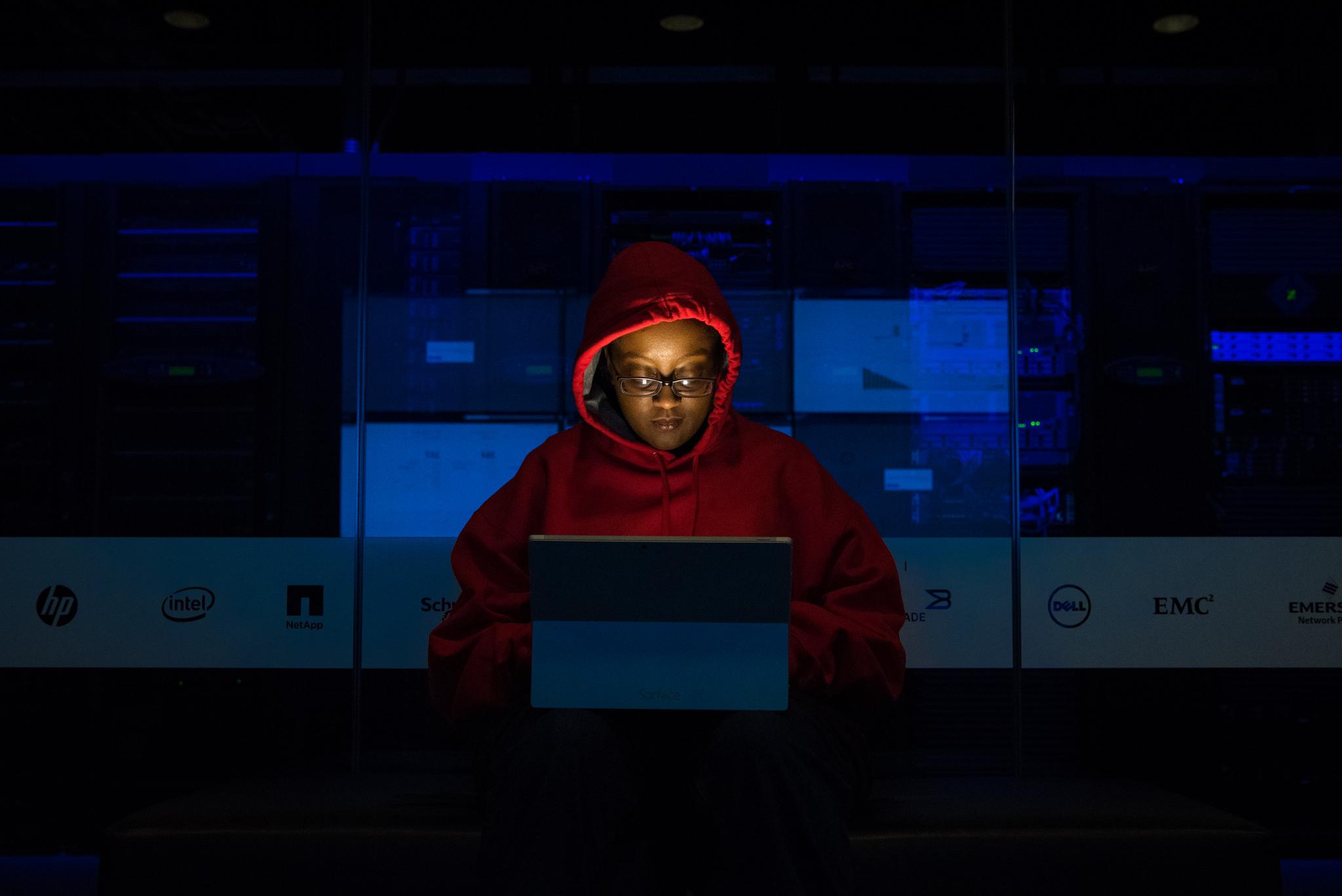 YouTube a été vivement critiqué pour s'en être pris à une chaîne de hacking éthique
