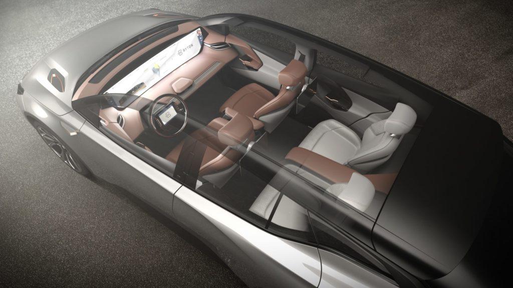 Start-up chinoise, Byton dévoile un SUV 100 % électrique équipé d'Alexa ! Par Maxime Claudel 7-panoramic-sunroof-1024x576