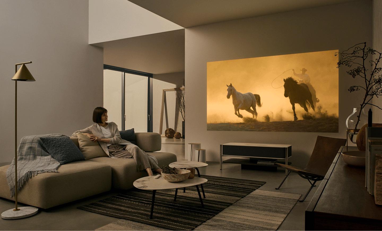 Sony pr sente un meuble de salon qui est en fait un vid o projecteur ou l 39 inverse tech - Reposez vous dans un hamac design ...