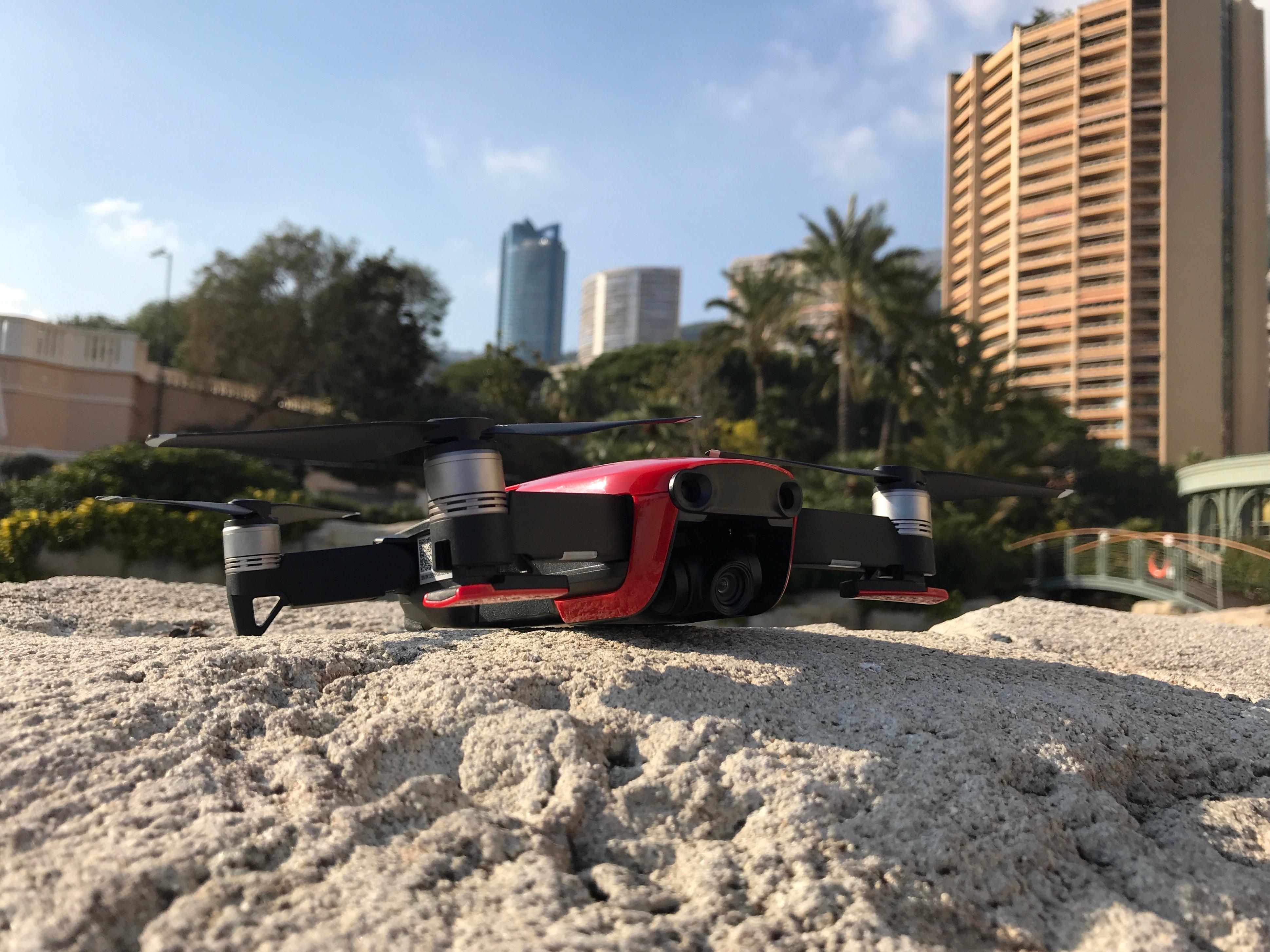 42e14711fb6 Pour vous parler de l'utilisation du Mavic Air, nous devons commencer par  vous faire un aveu : le drone que nous avons voulu mener à la baguette  s'est ...