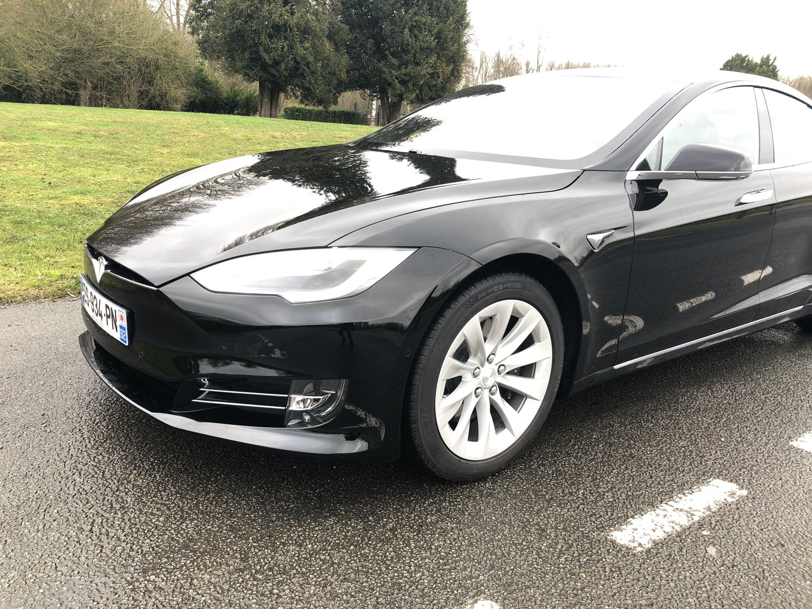 Tesla estime pouvoir battre la Porsche Taycan de 40 secondes au Nürburgring
