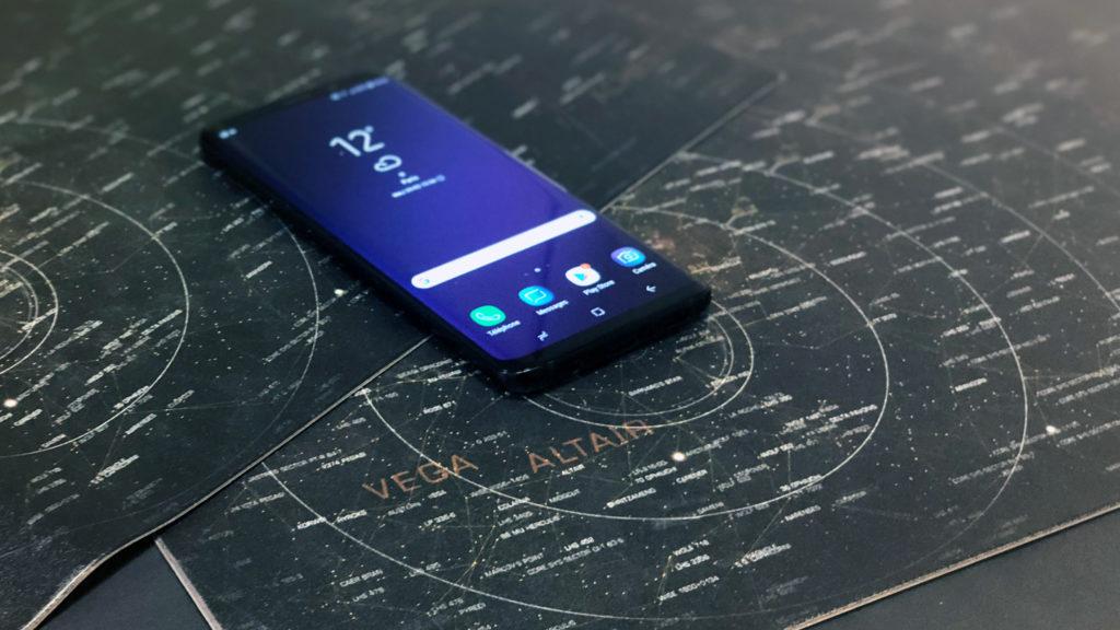 test du samsung galaxy s9 la meilleure publicit pour le galaxy s8 tech numerama. Black Bedroom Furniture Sets. Home Design Ideas