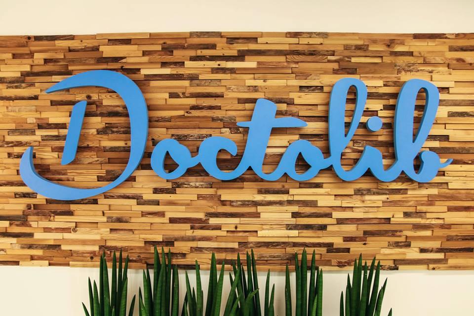 L'ascension du Français Doctolib se poursuit : la startup a racheté son concurrent MonDocteur. Cette croissance s'explique-t-elle en partie par une peur du téléphone ?