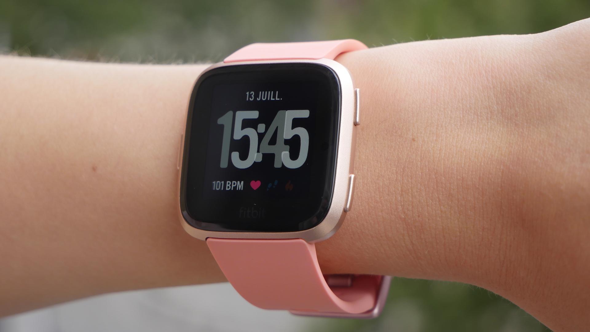 Fil De Peche Rose test de la fitbit versa : une montre qui ne rend pas