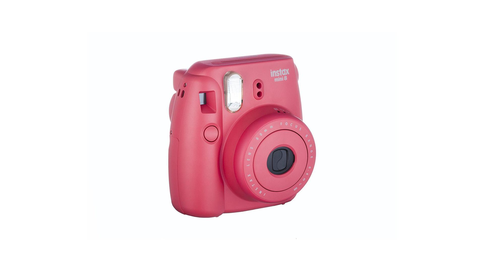6aea912afc473a Cet appareil photo est compact, il peut se glisser sans problème dans un  sac, de plus, il fonctionne grâce à 2 piles, ce qui assure une autonomie  assez ...