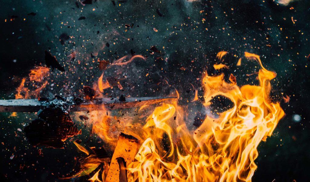 explosion incendie flammes feu