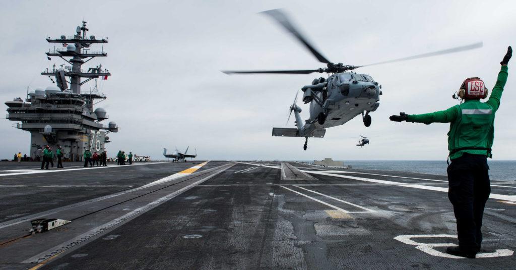 soldat militaire armée hélicoptère navire marin navy