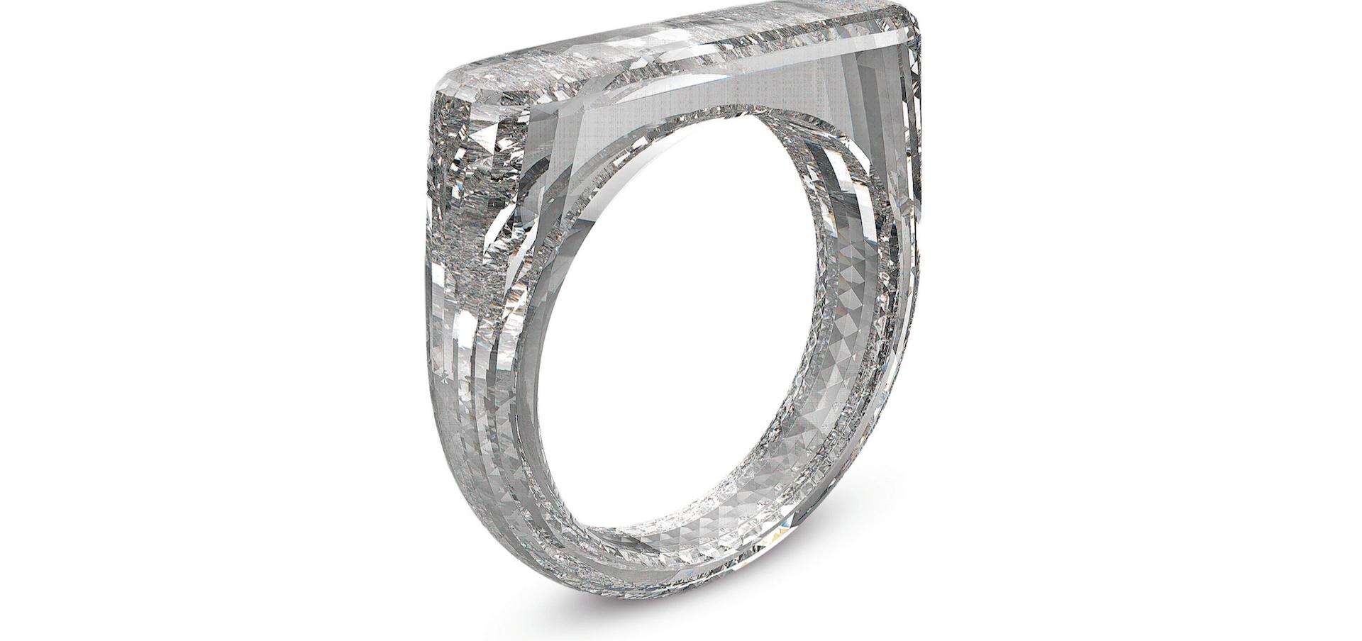 Jony Ive, le père du design chez Apple, a créé un diamant en forme de bague (et pas l'inverse)