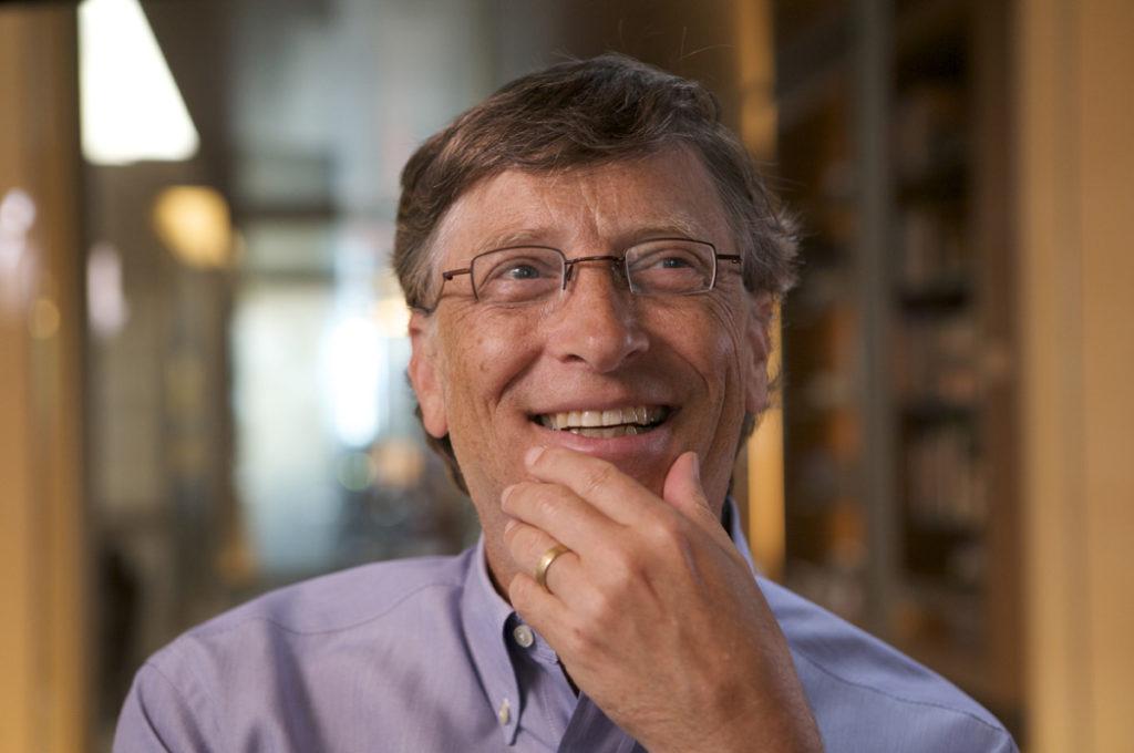 Bill Gates juge de sa responsabilité le virage manqué dans le mobile.