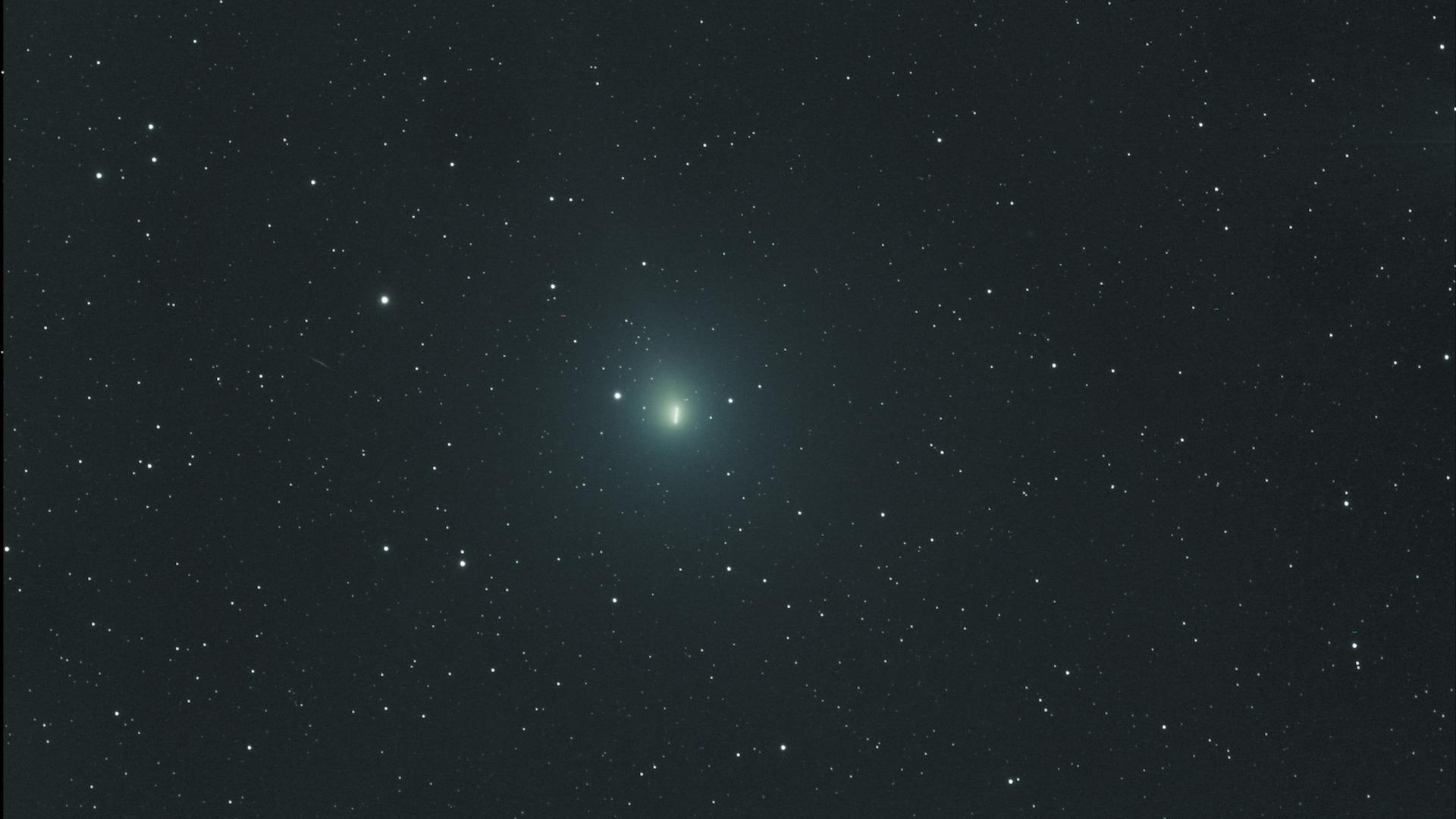 La comète Wirtanen. // Source : Flickr/Domaine public/Stephen Rahn (photo  recadrée)