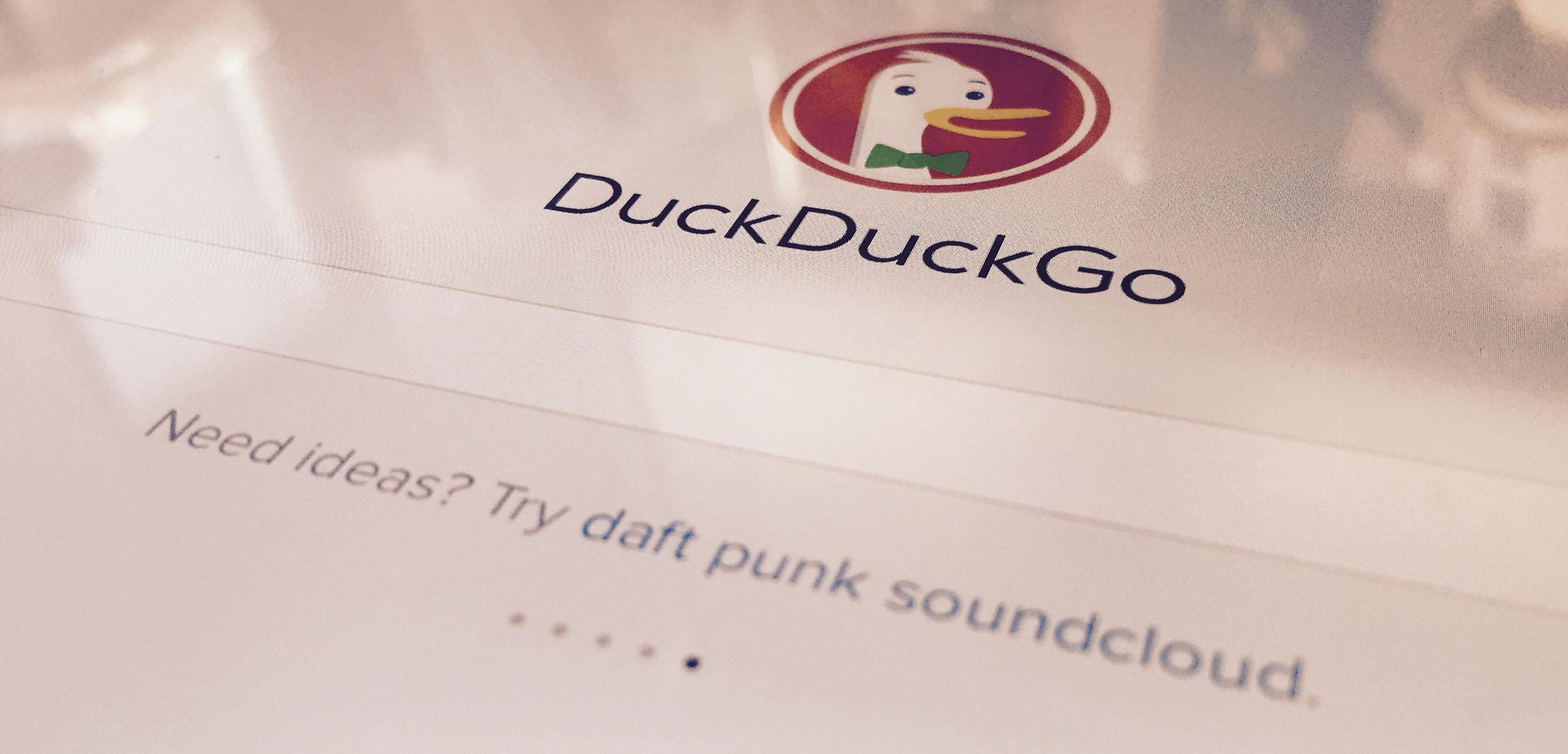Au fait, pourquoi DuckDuckGo s'appelle DuckDuckGo ?