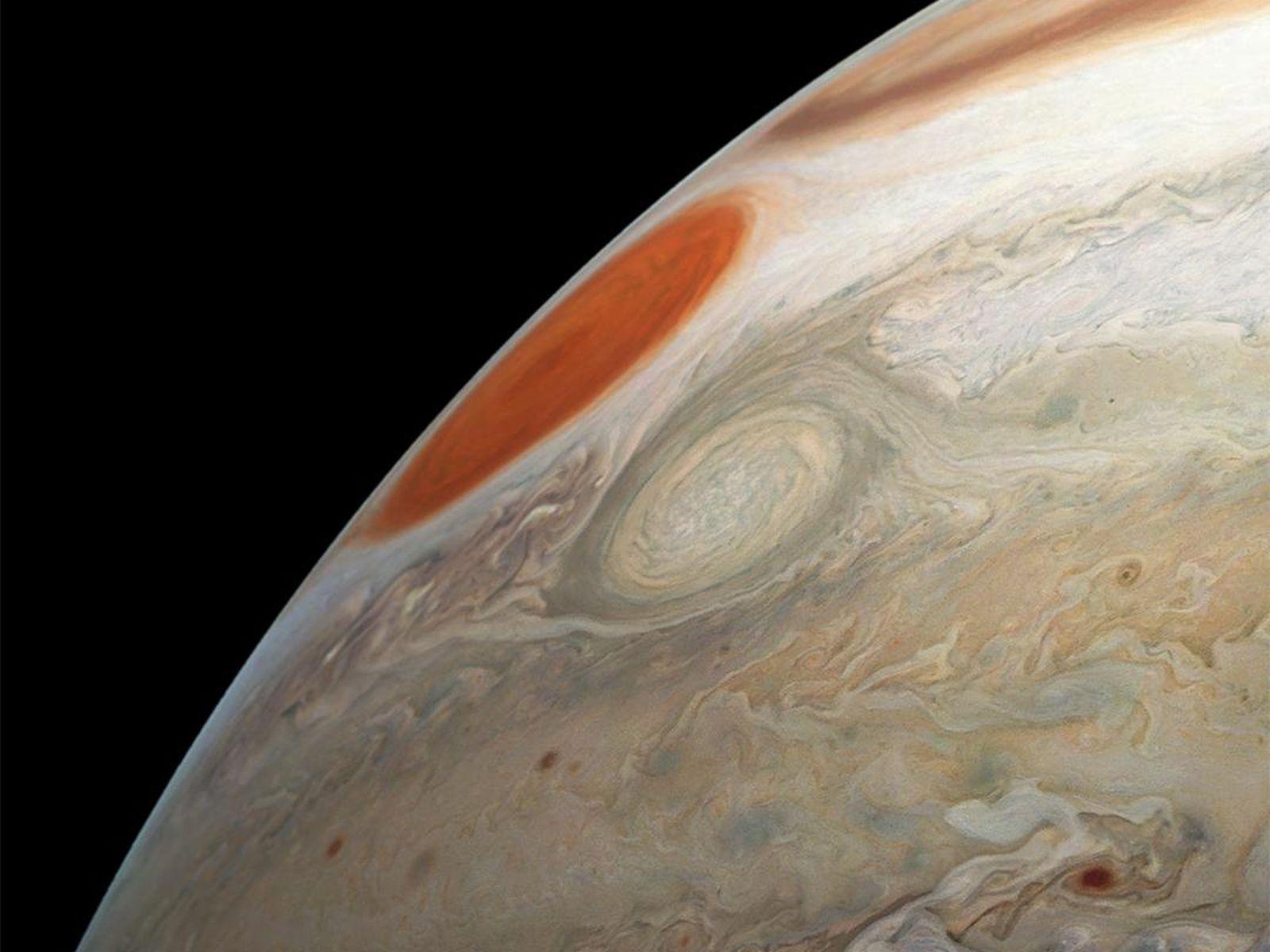 La sonde Juno a pris de superbes photos de tempêtes jumelles sur Jupiter