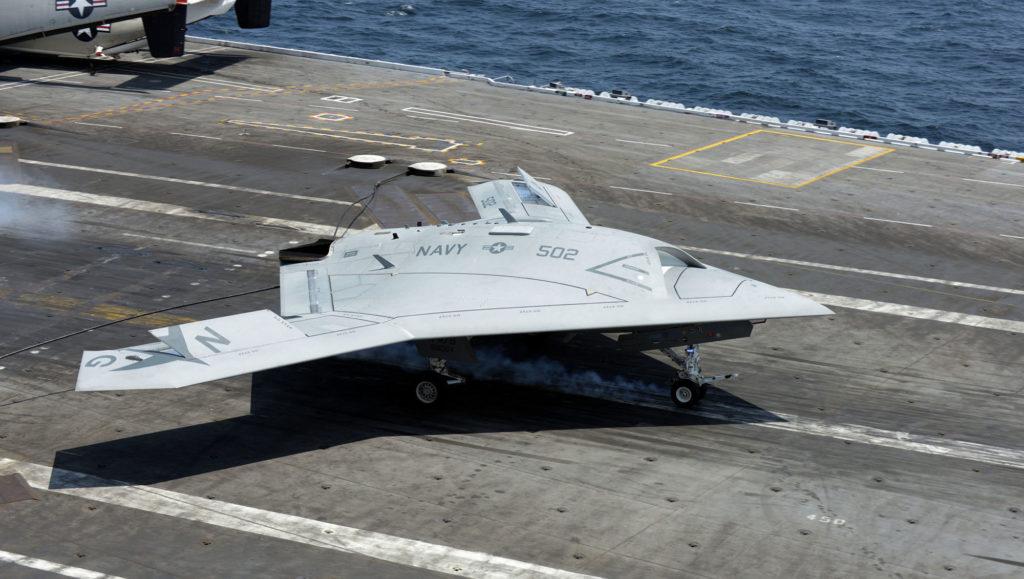Northrop Grumman X-47B drone avion militaire armée