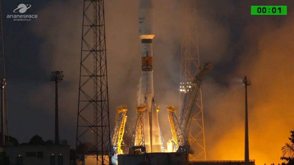 Mission réussie pour le lancement des premiers satellites OneWeb qui connecteront le monde entier à Internet D0cv40xuyaingqy-1024x576