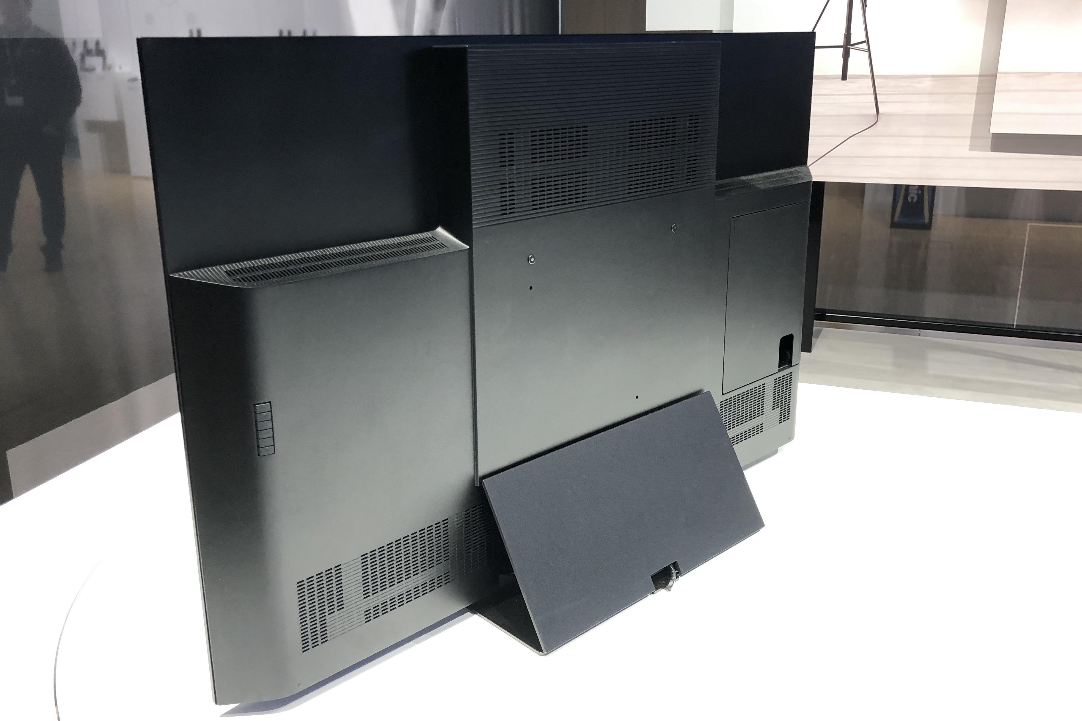On a vu la télé OLED GZ2000 : comment Panasonic veut installer