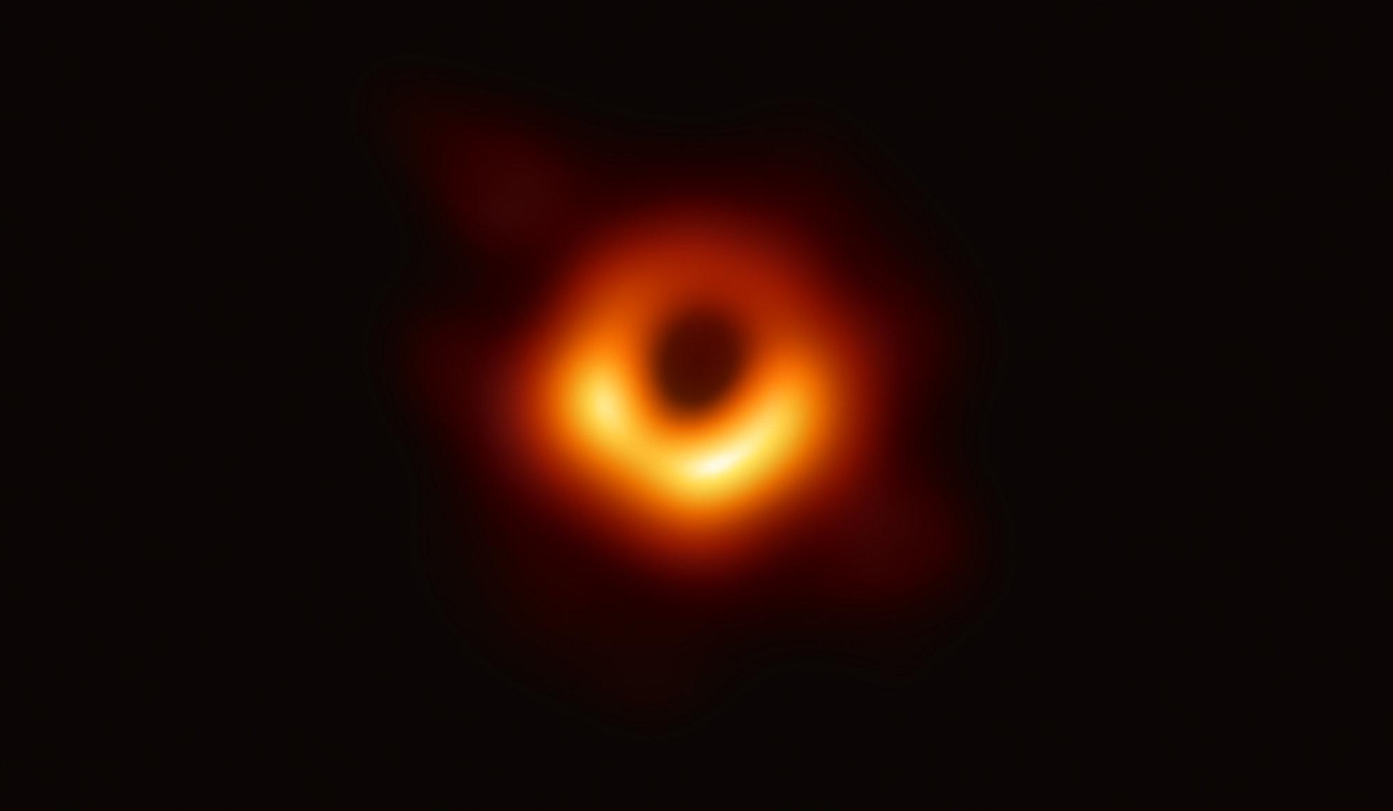 Première photo d'un trou noir : une société a tenté de placer son copyright dessus