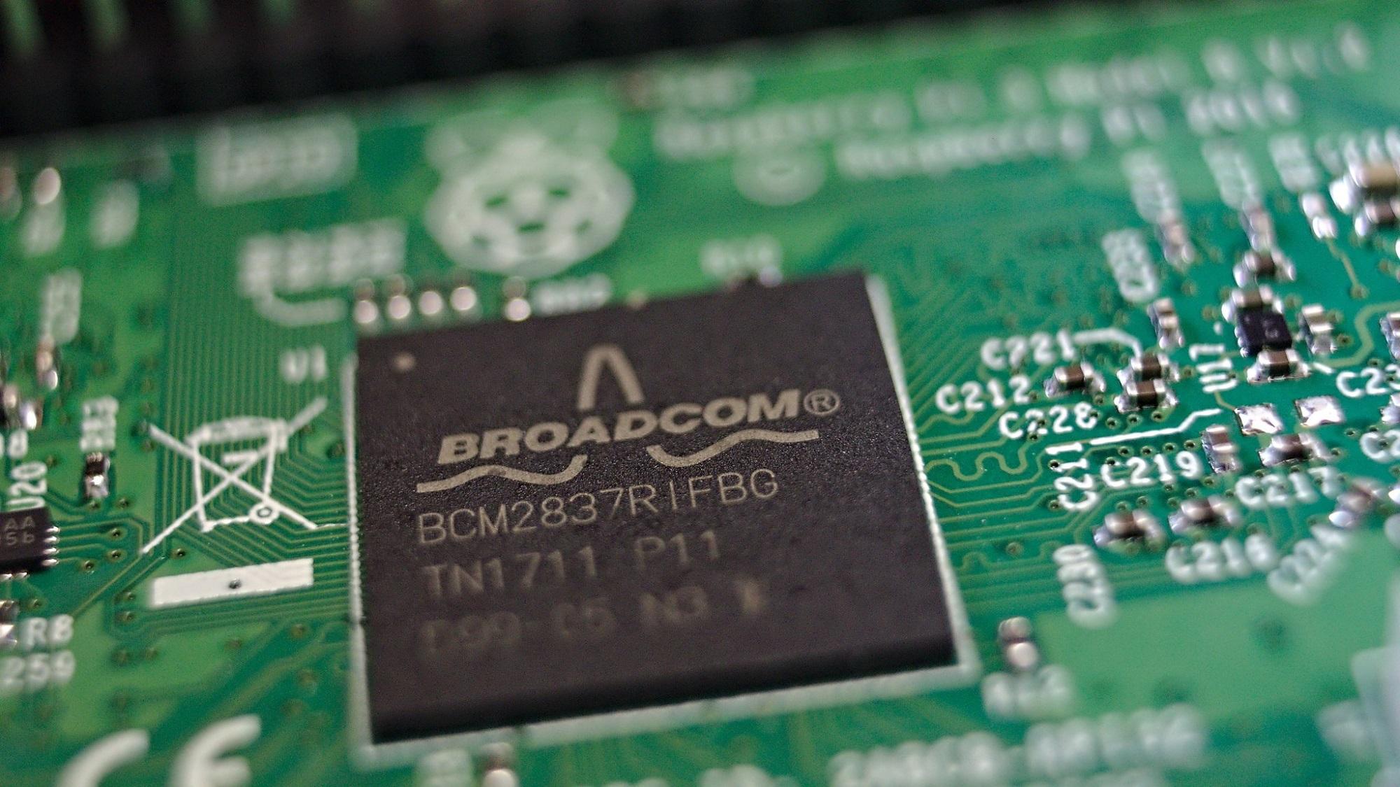 Bruxelles ordonne à Broadcom de suspendre des clauses commerciales jugées abusives