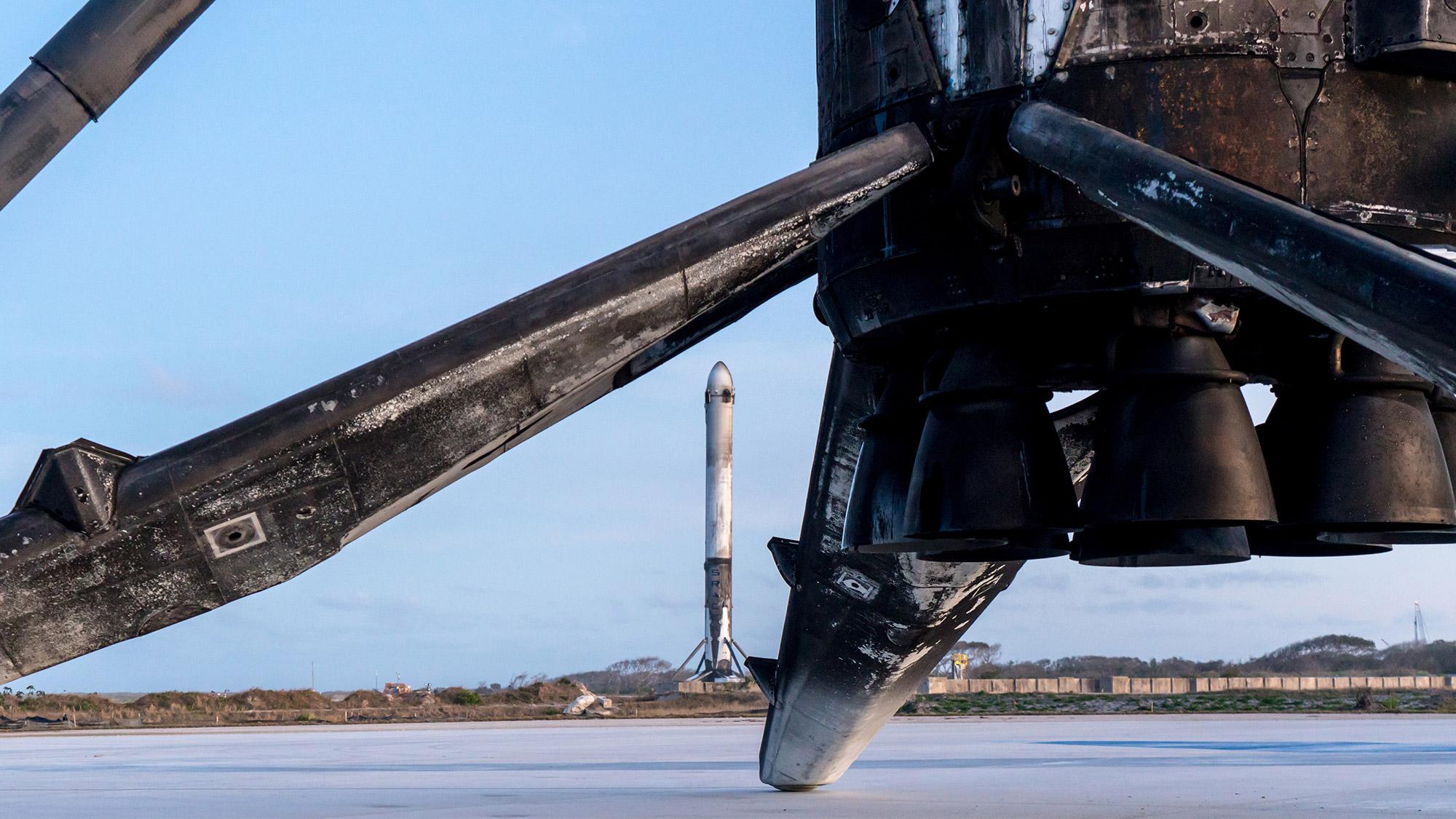 SpaceX : décollage réussi pour la fusée Falcon Heavy, les deux boosters latéraux ont été récupérés