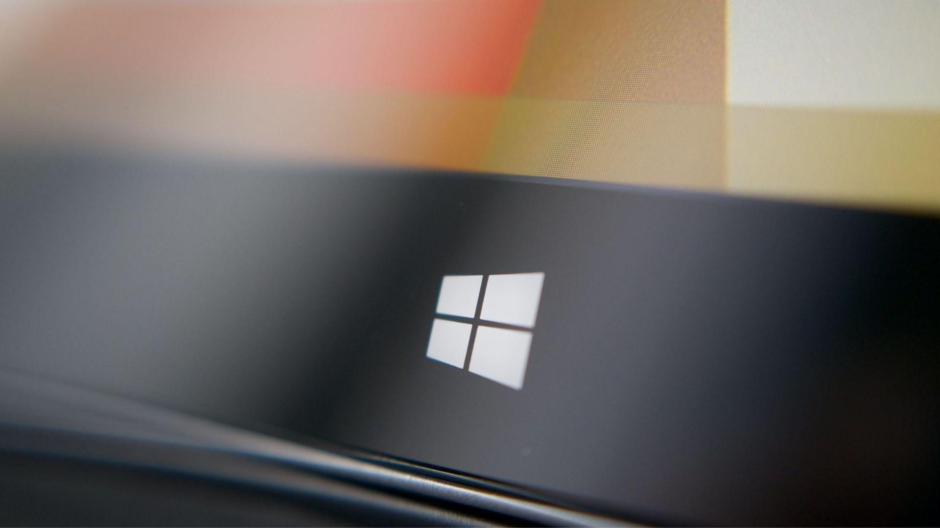 Microsoft prépare bien un nouvel appareil Surface avec deux écrans